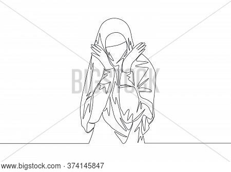 One Single Line Drawing Of Young Attractive Beauty Middle East Muslimah Wearing Burqa. Traditional B
