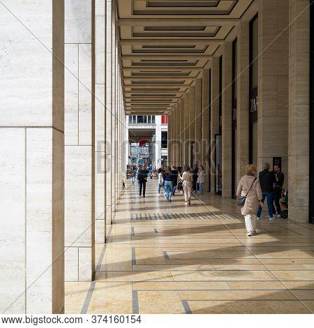 Berlin, Germany - May 30, 2020: Pedestrians During A Window Shopping In The Friedrichstraße In Berli
