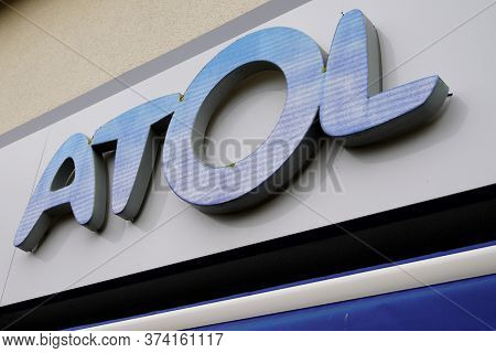 Bordeaux , Aquitaine / France - 06 20 2020 : Atol Optical Logo Sign Text For Optician Shop Glasses A