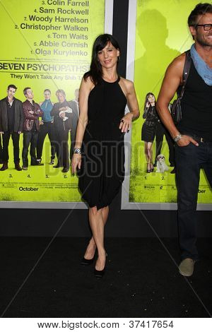 """LOS ANGELES - OCT 30:  Perrey Reeves  at the """"Seven Psychopaths"""" Premiere at Bruin Theater on October 30, 2012 in Westwood, CA"""