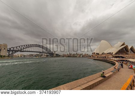 Sydney Harbor, Australia - October 23, 2018: Panoramic View Of Sydney Downtown, Harbor Bridge And Op