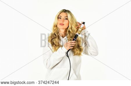 Hairdresser Tips. Heat Setting For Hair Type. Girl Adorable Blonde Hold Curling Iron. Gorgeous Hairs
