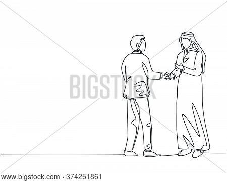 Single Line Drawing Of Businessmen Handshaking His Arabian Business Partner. Great Teamwork. Busines