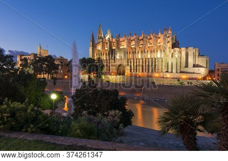 Cathedral Of Santa Maria Of Palma (la Seu) At Night, Palma De Mallorca, Spain