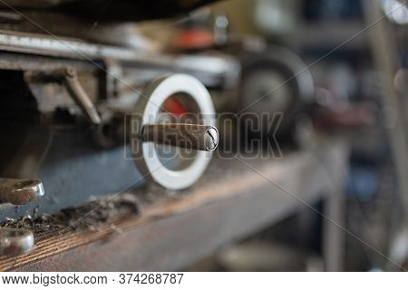 Vise Hand Wheel Of A Milling Machine With Small Depth Of Field (dof)
