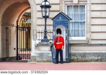 London, Uk - April 2019: Royal Guard At Buckingham Palace