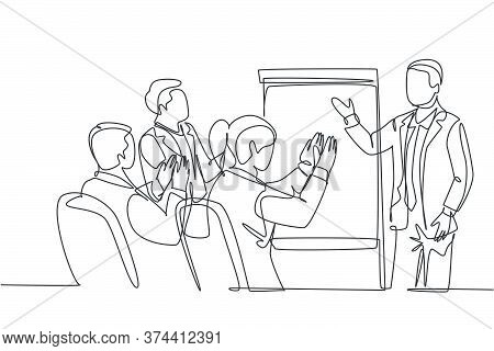 Single Continuous Line Drawing Of Young Happy Startup Founder Presenting Business Proposal To The In