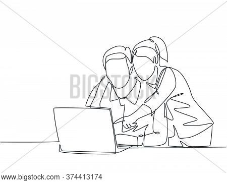 One Single Line Drawing Of Young Happy Couple Embracing And Hugging Romantic In Front Of Computer Di