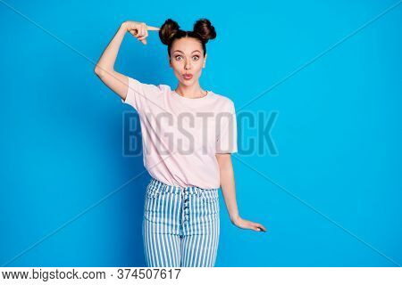Portrait Of Her She Nice Attractive Lovely Pretty Funny Girlish Cheerful Amazed Brown-haired Girl De