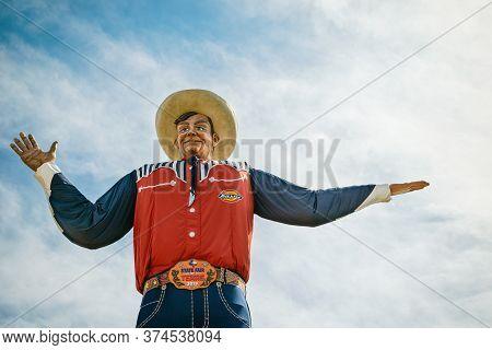 Dallas, Texas - October 17, 2019: Closeup Of The Big Tex Statue. The Figure Icon Greets And Waves Hi
