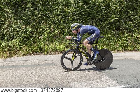 Bourgoin-jallieu, France - 07, May, 2017: The Australian Cyclist Damien Howson Of Orica-scott Team R
