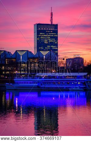 Belgrade / Serbia - March 4, 2019: Colorful Sunset View Of Usce Tower In Belgrade, Serbia, Reflectin