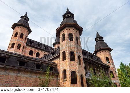 Lapalice, Poland - August 25, 2018: Lapalice Castle, Unfinished Building, Tourist Attraction In Nort