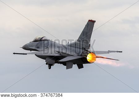 Avalon, Australia - February 27, 2015: United Staes Air Force (usaf) Lockheed F-16cj Taking Off With