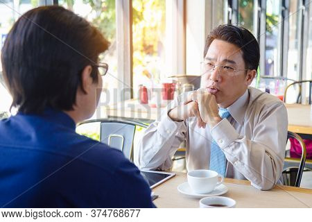 Manager Interviewing Candidate Employee Who Prefer Promote To New Position.