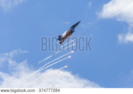 Avalon, Australia - March 1, 2015: Royal Australian Air Force (raaf) Boeing F/a-18f Super Hornet Mul