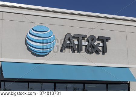 Shelbyville - Circa July 2020: At&t Cell Phone Retail Store. Amid New Social Distancing Rules, At&t