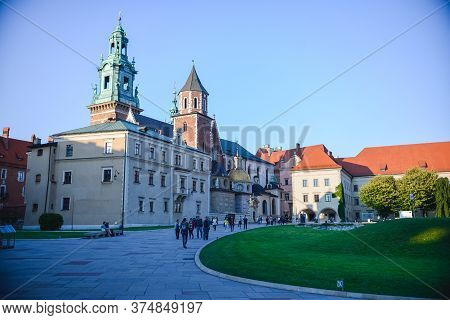 August 27, 2018. Krakow, Poland. Wawel Royal Castle. View Of The Entrance To The Castle In The Sunse