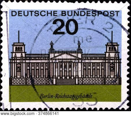 02 08 2020 Divnoe Stavropol Territory Russia The Postage Stamp Germany 1964 German Cities Capitals O