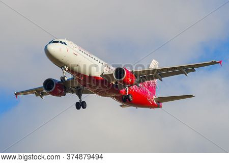 Saint Petersburg, Russia - October 25, 2018: Flying Plane Airbus A320-214 Tver (vq-bfm) Of Rossiya A