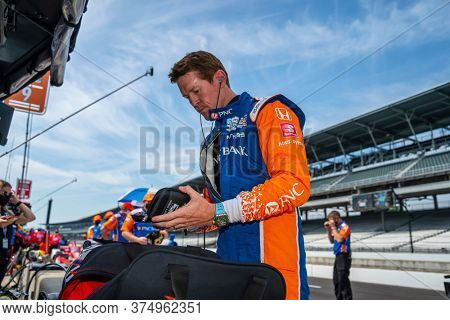 July 03, 2020 - Indianapolis, Indiana, USA: SCOTT DIXON (9) of Auckland, New Zealand prepares to practice for the GMR Grand Prix at the Indianapolis Motor Speedway in Indianapolis, Indiana.