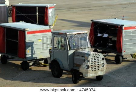 Auto Cargo Carriers
