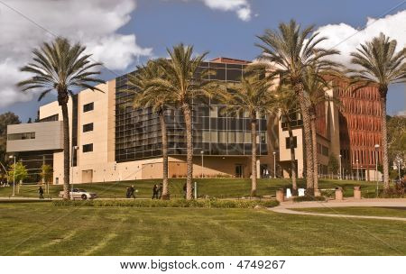 Library At Cal Poly Pomona