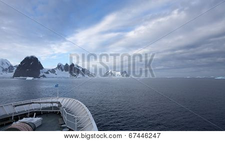 Cruising in Antarctic waters on the way to the Antarctic Circle poster