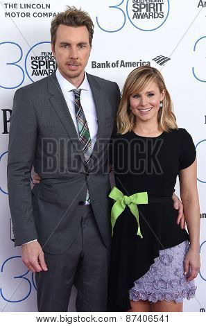 LOS ANGELES - FEB 21:  Dax Shepard & Kristen Bell arrives to the 2015 Film Independent Spirit Awards  on February 21, 2015 in Santa Monica, CA