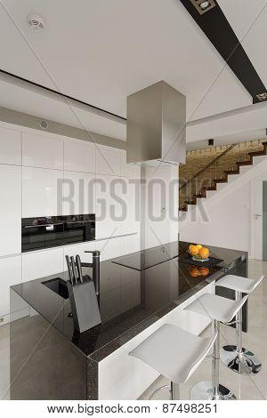 Granite Worktop In Modern Kitchen