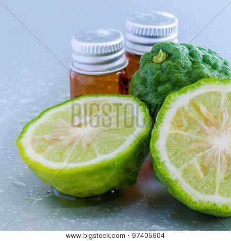 Thai Herbal Ingredient Spas Kaffir Lime . - A Common Ingredient In Shampoo.