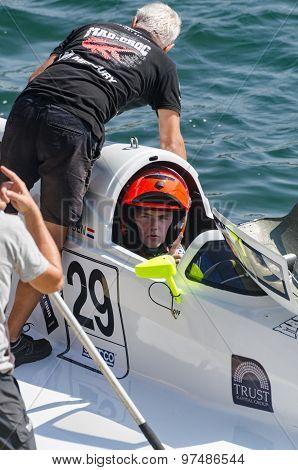 Mad-croc Baba Racing Team Boat Preparations