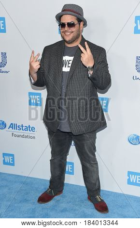 LOS ANGELES - APR 18:  Josh Gad arrives for the WE Day California 2017 on April 27, 2017 in Inglewood, CA