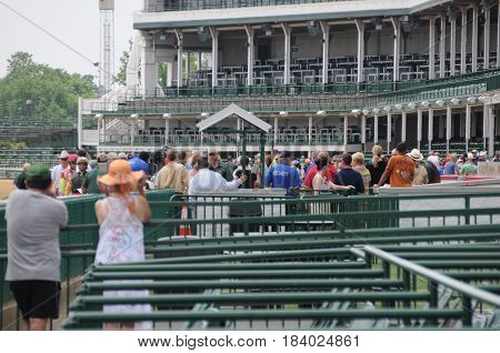 people watching horse race at Churchill Downs, May 27th, 2016