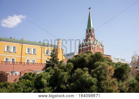Troitskaya Tower In The Center Of The Northwestern Wall Of The Moscow Kremlin Is The Main Visitors'