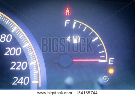 Empty of fuel gauge indicator is warning