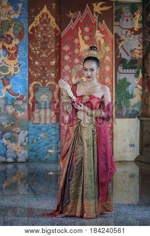 Thai traditional Uniform dress Thailand ancient traditional skirtThe uniqueness of the dress of Thai style.