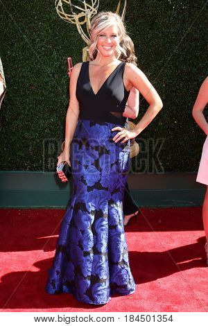 LOS ANGELES - APR 30:  Laura Wright at the 44th Daytime Emmy Awards - Arrivals at the Pasadena Civic Auditorium on April 30, 2017 in Pasadena, CA