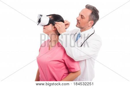 Male Doctor Convince Nurse To Wear Vr Glasses