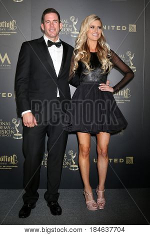 LOS ANGELES - APR 30:  Tarek El Moussa, Christina El Moussa in the 44th Daytime Emmy Awards Press Room at the Pasadena Civic Auditorium on April 30, 2017 in Pasadena, CA