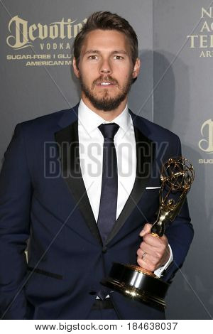 LOS ANGELES - APR 30:  Scott Clifton, The Bold and the Beautiful in the 44th Daytime Emmy Awards Press Room at the Pasadena Civic Auditorium on April 30, 2017 in Pasadena, CA