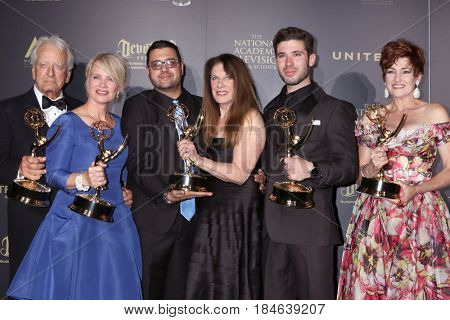 LOS ANGELES - APR 29:  N Coster, Mary Beth Evans, Gregori J. Martin, KAndrews, C Hennesy at the 2017 Creative Daytime Emmy Awards at the Pasadena Civic Auditorium on April 29, 2017 in Pasadena, CA