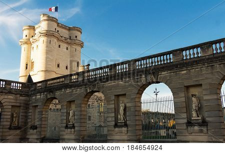 The Vincennes castle was at the heart of the French monarchy until 1682 when Louis XIV chose to settle in Versailles.The keep was used as a prison: Fouquet Marquis de Sade and Mirabeau were held here.