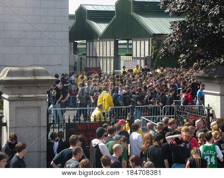 People At Metallica Concert In Dublin