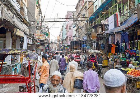 INDIA, NEW DELHI - APRIL 5, 2017: Streetview in New Dehli on the 5th of april 2017