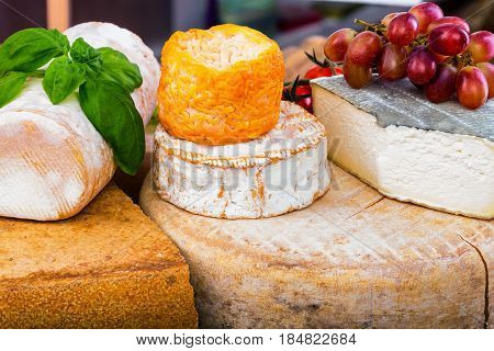 Many Types Of French Cheese