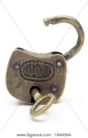 Open Padlock (Gold)