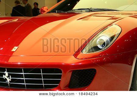Teil einer roten Sportwagen im motor Show ausgestellt. Redaktionelle Nutzung.