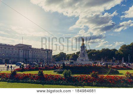 The Beautiful Location Of Buckingham Palace