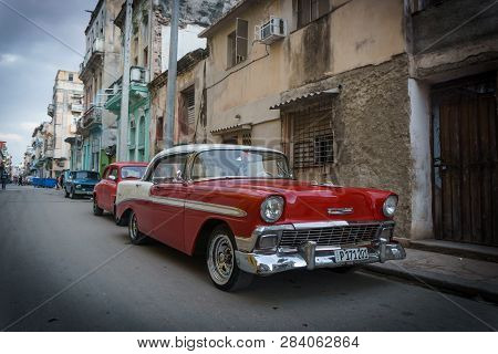 Habana, Cuba - 10 January, 2017:old Timer Vintage Car On The Streets Of Havana Cuba